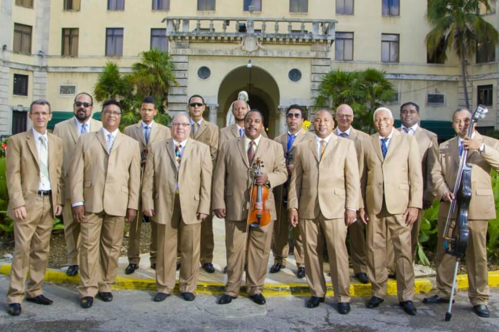 La Orquesta Aragón, de Cuba, celebra 80 años en Salsa al Parque