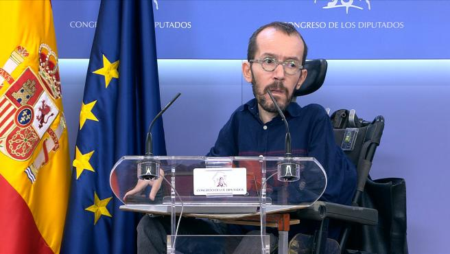 Iglesias pide a Sánchez dar papeles a 600.000 inmigrantes