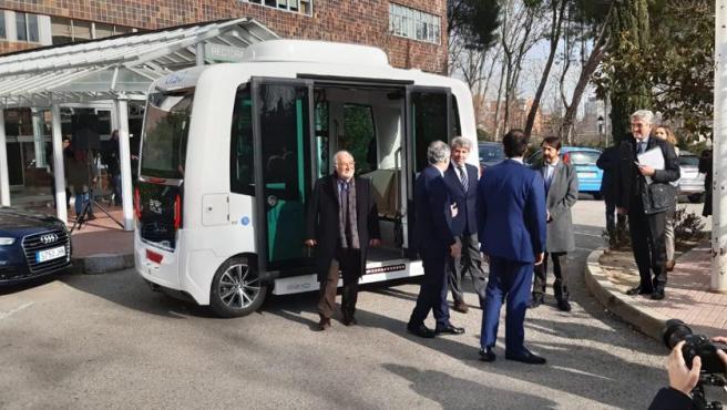El primer autobús público sin conductor de España se estrena con accidente