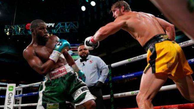 Floyd Mayweather se llevó 30 millones sólo por los pantalones que lució en un combate contra el youtuber Logan Paul